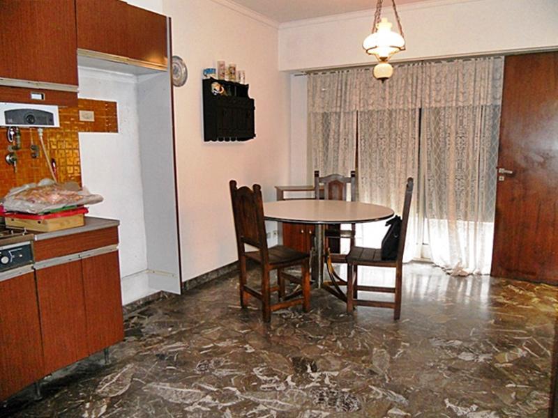 Foto Casa en Venta en  Munro,  Vicente Lopez  Vélez Sársfield al 5400
