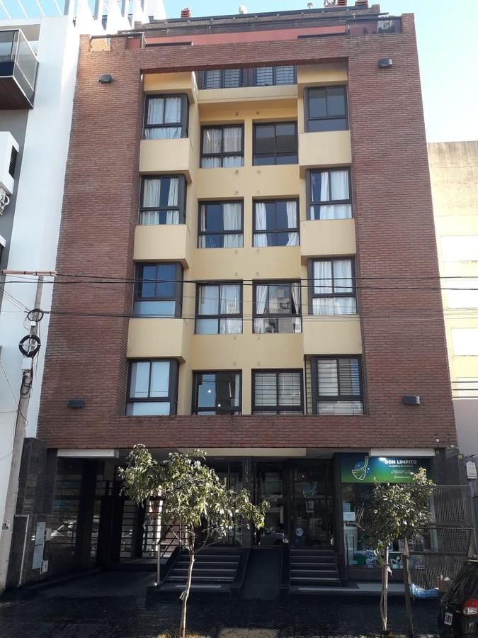 Foto Departamento en Venta |  en  General Paz,  Cordoba  Tres dormitorios -General Paz - Cochera - Patio