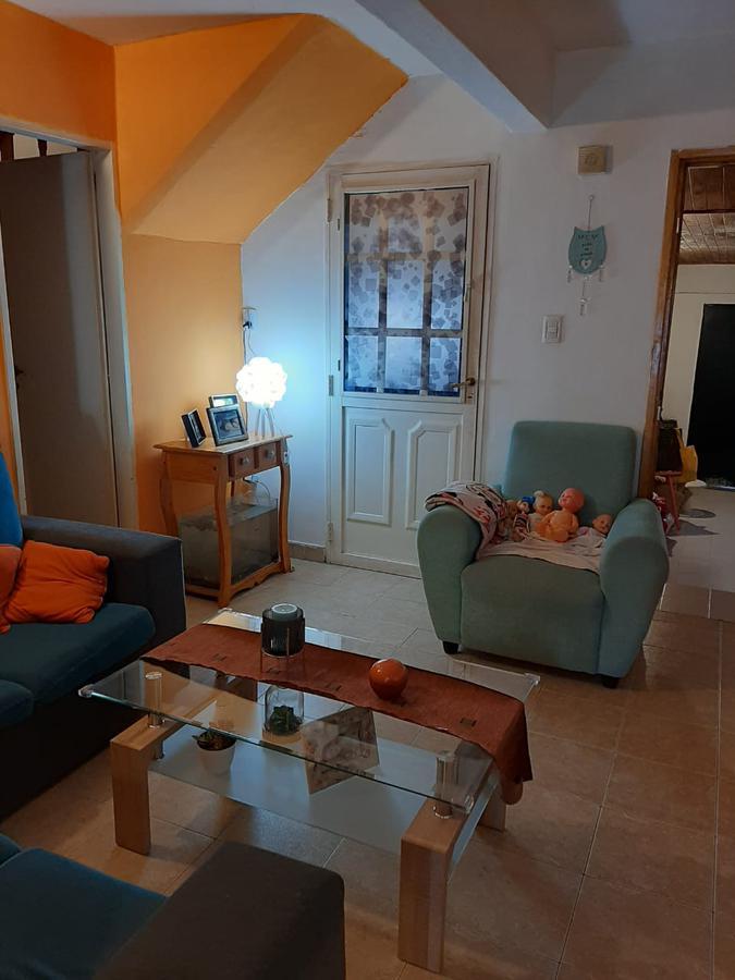 Foto Casa en Venta en  Neuquen,  Confluencia  Maestros Puntanos al 1100