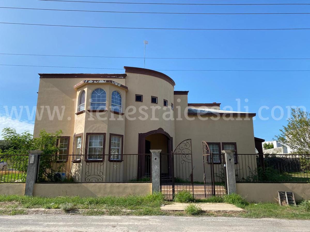 Foto Casa en Venta en  Residencial Del Lago,  Piedras Negras  Hermosa Residencia en Venta esquina, Residencial Del Lago