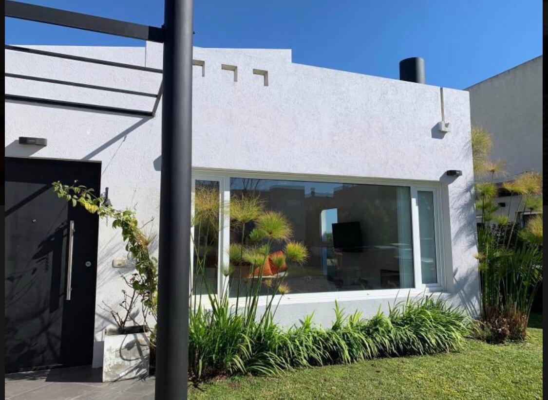 Foto Casa en Venta en  Los Alisos,  Nordelta  Avda.de Los Lagos