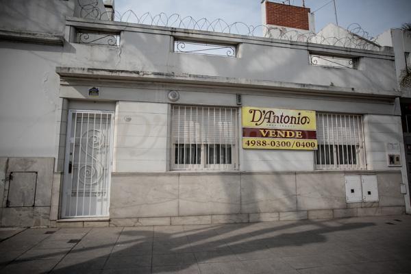 Foto Casa en Venta en  P.Chacabuco ,  Capital Federal  Zuviría al 2000