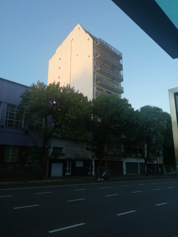 Foto Departamento en Alquiler en  Constitución ,  Capital Federal  AV.CASEROS N° al 1500
