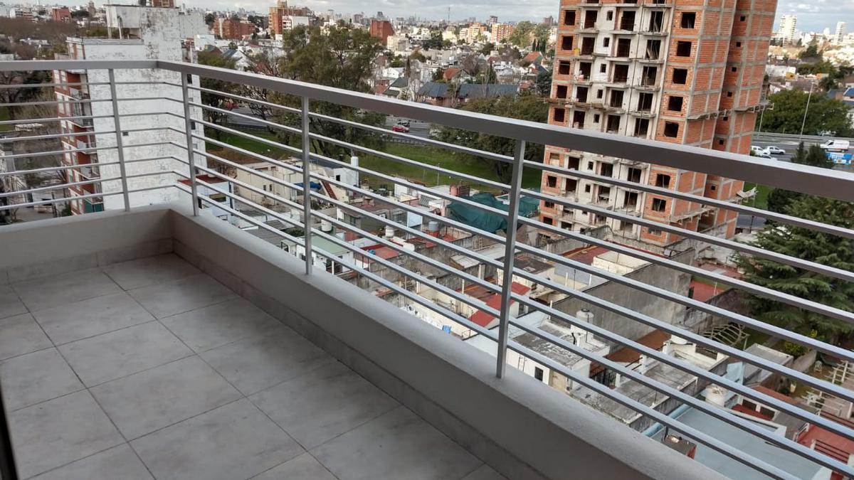 Foto Departamento en Venta en  Villa Saenz Peña,  Tres De Febrero  America 361