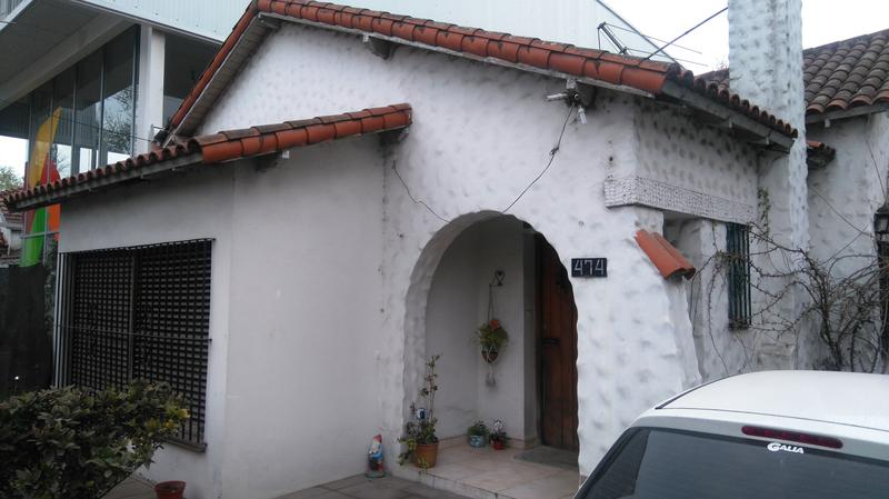 Foto Casa en Venta en  City Bell,  La Plata  Cno centenario e/ 471 y 472