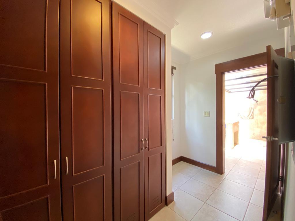 Foto Casa en condominio en Venta   Renta en  Santana,  Santa Ana  Santa Ana / 4 habitaciones + servicio / Terraza / Jardín / Piscina propia