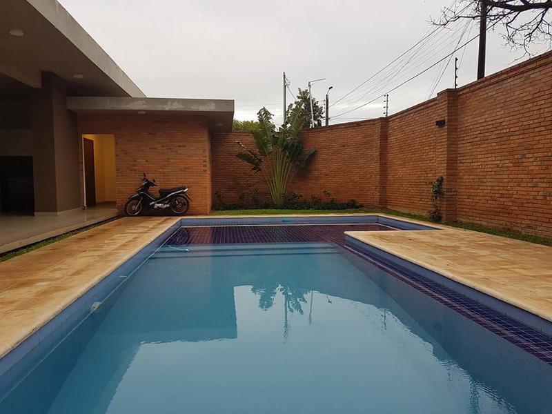 Foto Casa en Venta en  Luque ,  Central  Zona Conmebol, Luque