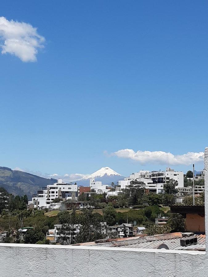 Foto Departamento en Venta en  Miravalle,  Quito  MIRAVALLE