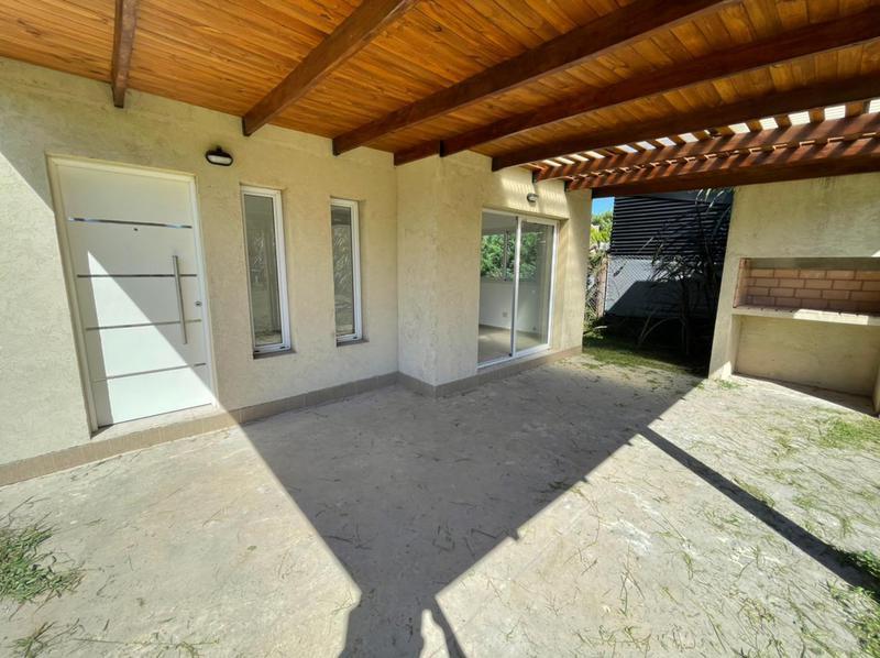 Foto Casa en Venta en  Funes ,  Santa Fe  Las Margaritas al 3500