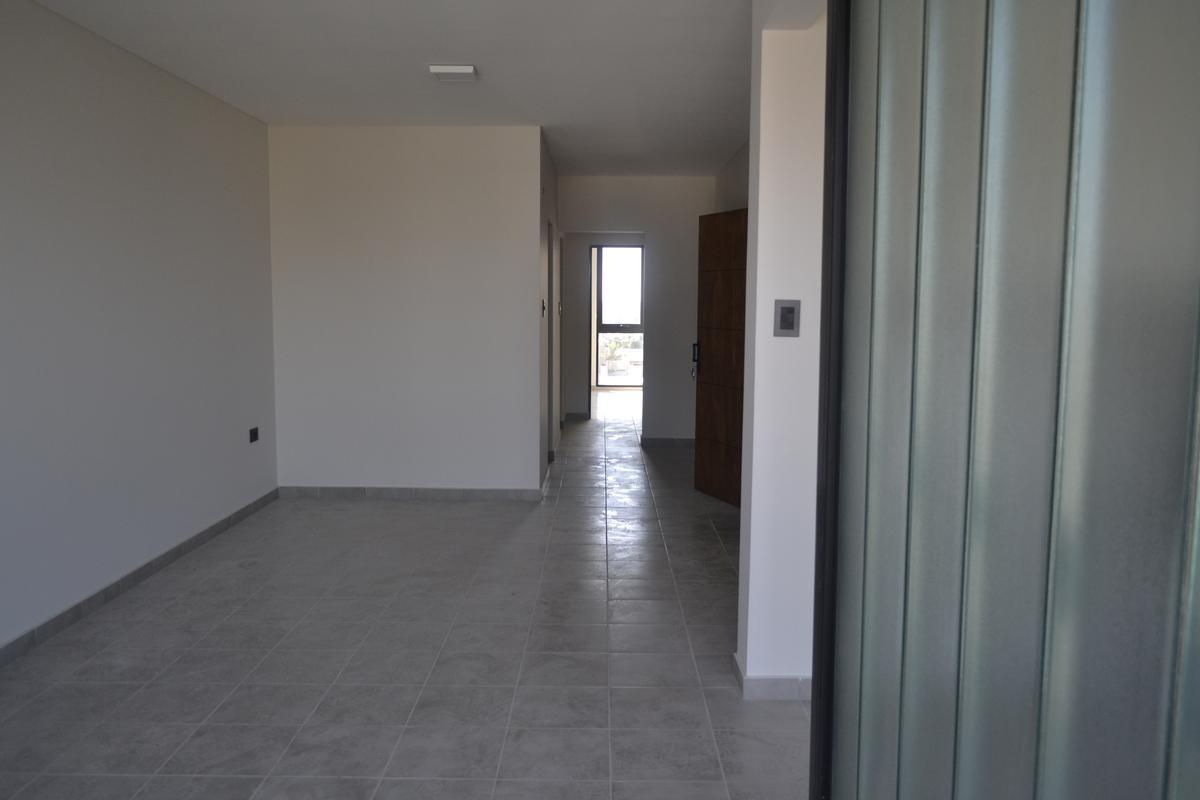 Foto Departamento en Alquiler en  Santa Fe,  La Capital  Semipiso con gran ESTAR COMEDOR, balcón, cocina indep., 2 baños y otro balcón lavadero A ESTRENAR