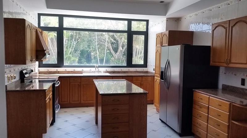 Foto Departamento en Renta en  Escazu,  Escazu  Apartamentos (487m2) Uno por Nivel Country Club Escazú