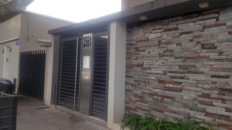 Foto Departamento en Alquiler en  Centro (Moreno),  Moreno  Independencia al 2500