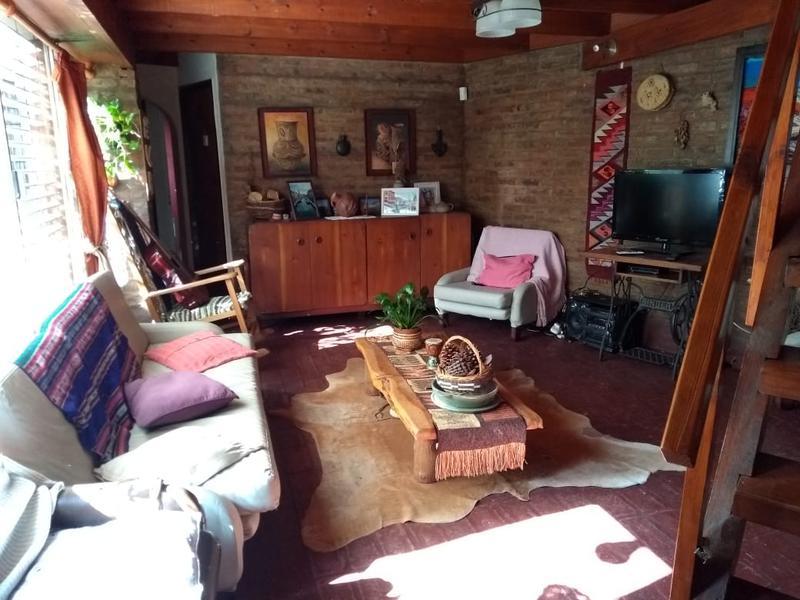 Foto Casa en Venta en  Turdera,  Lomas De Zamora  SANTA INES 550 Esq. Guido Spano