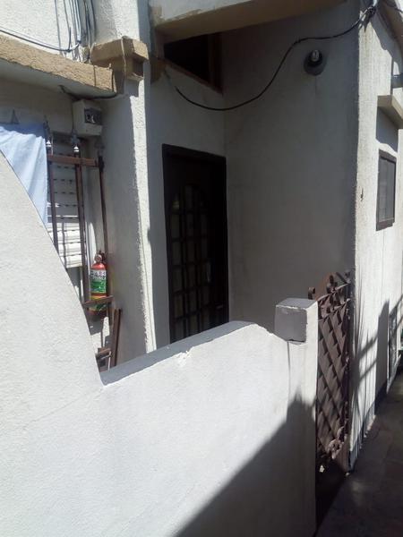 Foto PH en Venta en  Gerli,  Lanús  La Rioja al 800