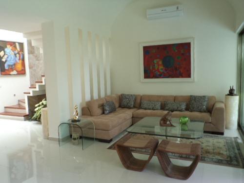Foto Casa en condominio en Venta en  Cancún Centro,  Cancún  OPORTUNIDAD EN VENTA RESIDENCIAL CUMBRES