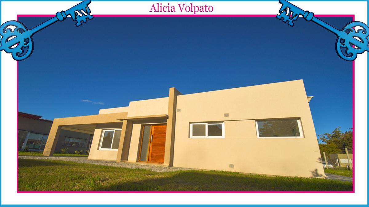 Foto Casa en Venta en  Berazategui ,  G.B.A. Zona Sur  FINCAS DE HUDSON