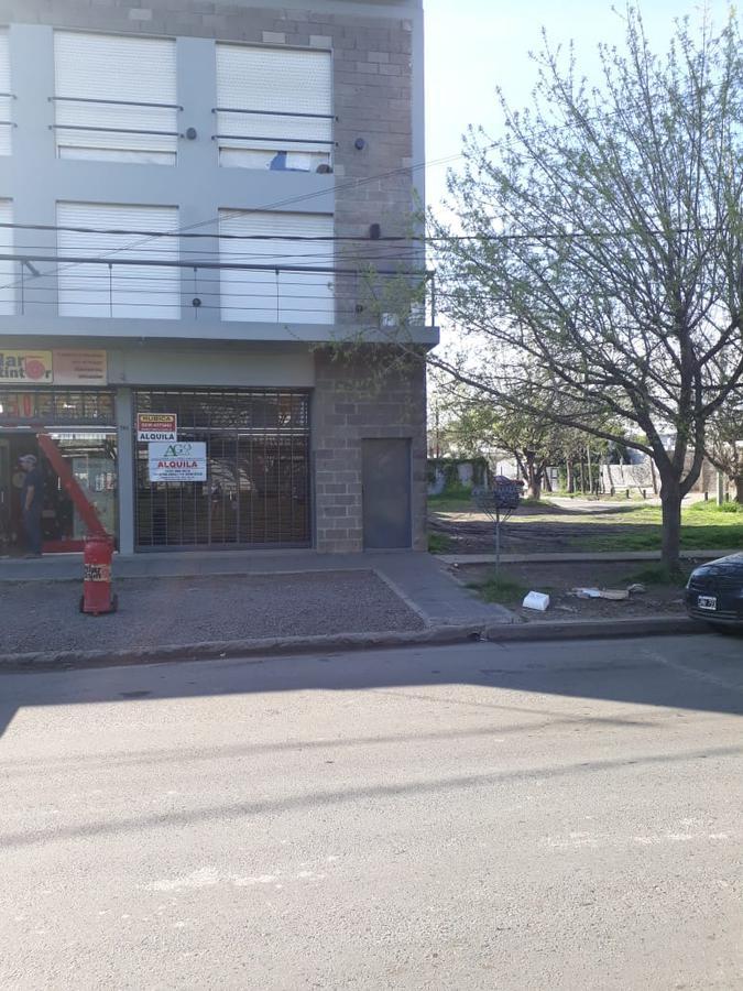 Foto Local en Alquiler en  Pilar ,  G.B.A. Zona Norte  Avenida Venancio Castro al 800