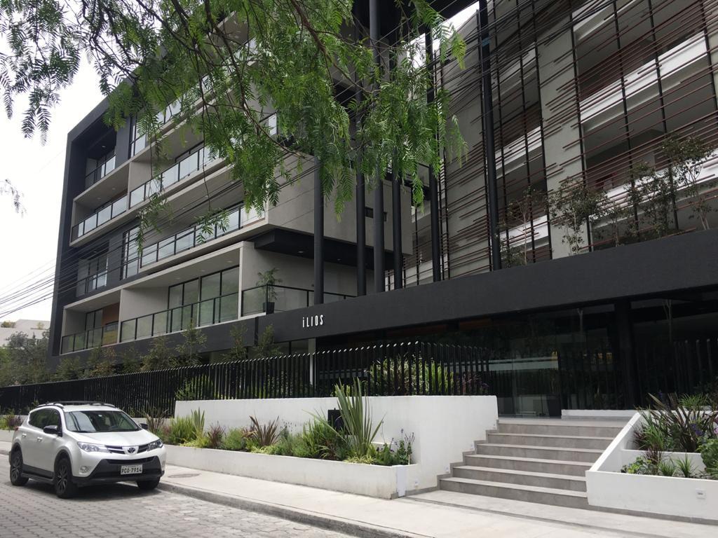 Foto Departamento en Venta en  Cumbayá,  Quito  VENTA CUMBAYA, DEPARTAMENTO EXCELENTES ACABADOS, VISTA