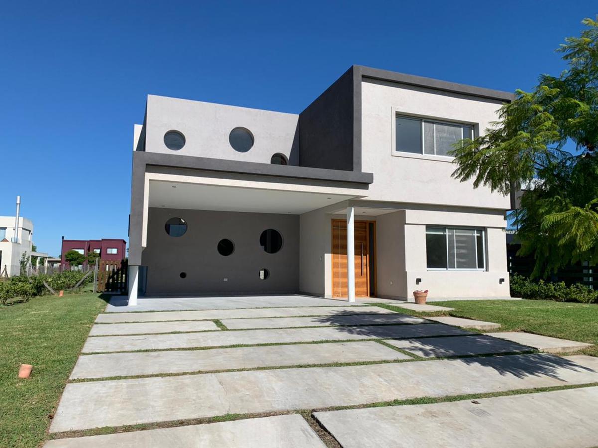 Foto Casa en Venta en  Vistas,  Puertos del Lago  Puertos del Lago, Barrio Vistas