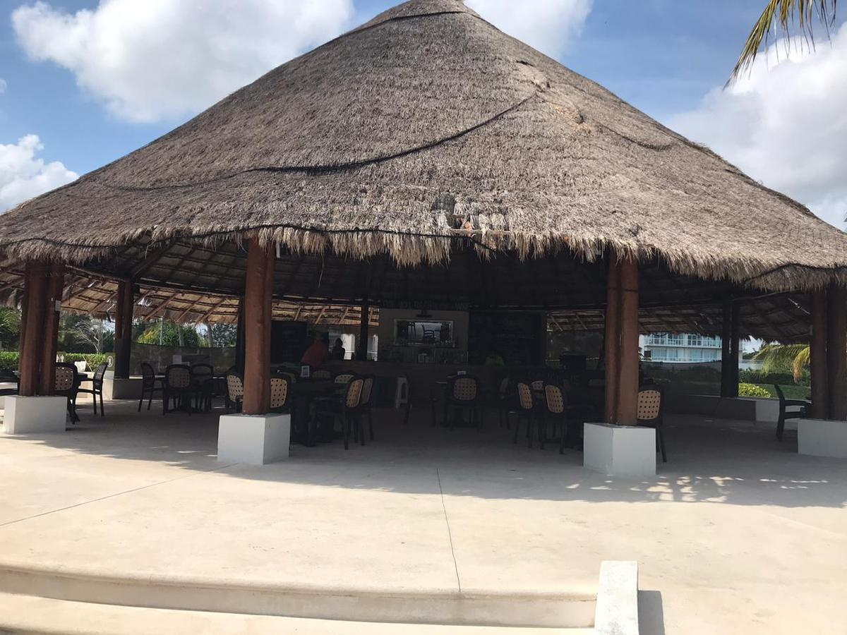 Foto Departamento en Venta en  Puerta del Mar,  Cancún  Departamento en VENTA Totalmente AMUEBLADO y EQUIPADO Residencial AMARA Cancun Frente al MAR