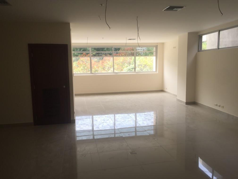 Foto Oficina en Venta en  Norte de Guayaquil,  Guayaquil  Kennedy Norte, Av Principal Vendo Oficina de 378 m2