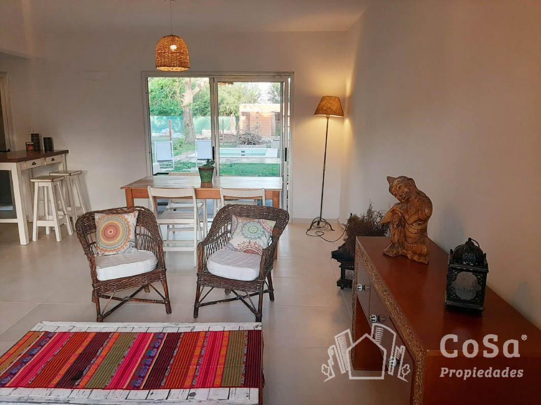 Foto Casa en Venta en  Funes ,  Santa Fe  Pte. Juan Domingo Perón 390, Funes