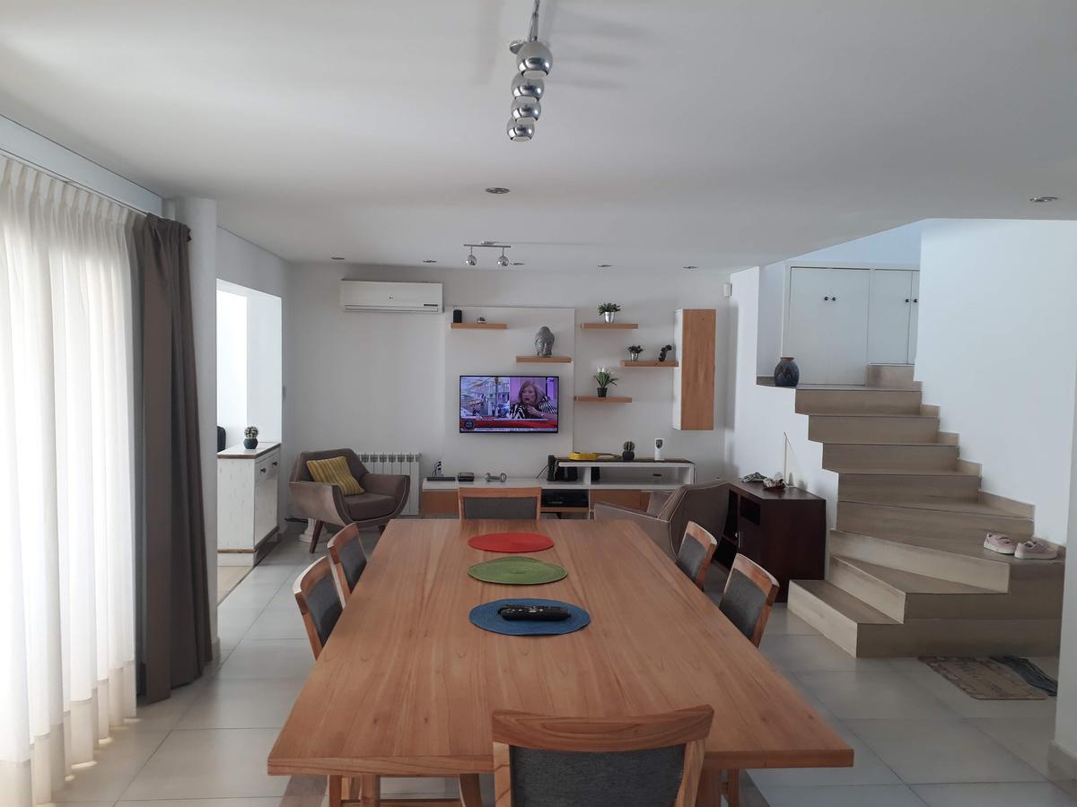 Foto Casa en Venta en  Rincón de Emilio,  Capital  Océano Pacífico Nº al 200