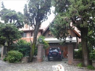 Foto Casa en Venta en  Martinez,  San Isidro  FLEMING A. SIR AV. al 2700 entre PUEYRREDON y YAPEYU