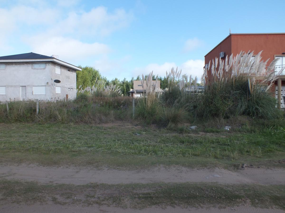 Foto Terreno en Venta en  Costa Del Este ,  Costa Atlantica  Los Claveles entre Las Madreselva y Los Malvones