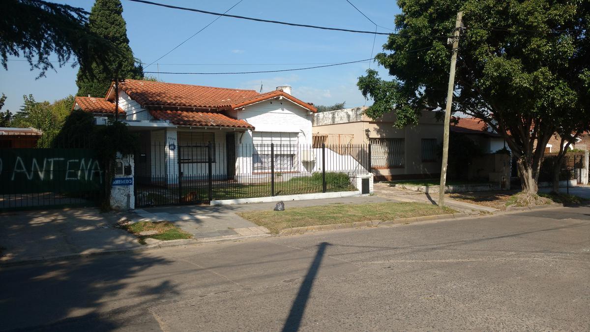 Foto Casa en Venta en  Jose Marmol,  Almirante Brown  Amenedo 2336