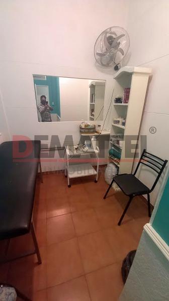 Foto Local en Alquiler en  Moreno ,  G.B.A. Zona Oeste  Local grande sobre Uruguay  al 100