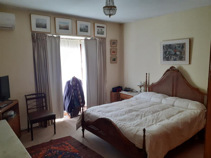 Foto Casa en Venta en  La Blanqueada ,  Montevideo  Hermosa casa en 2 plantas en zona de sanatorios