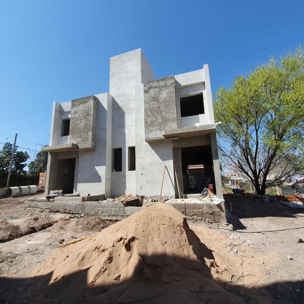 Foto Casa en Venta en  Lomas Este,  Villa Allende  Pernambuco al 600