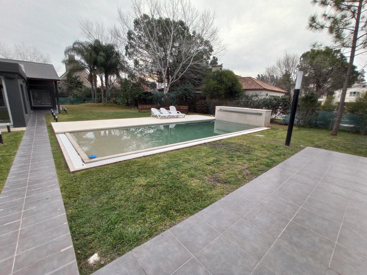 Foto Casa en Venta en  Fisherton,  Rosario  Aldea Tenis - Av. Jorge Newbery 9041, S2006 Rosario, Santa Fe