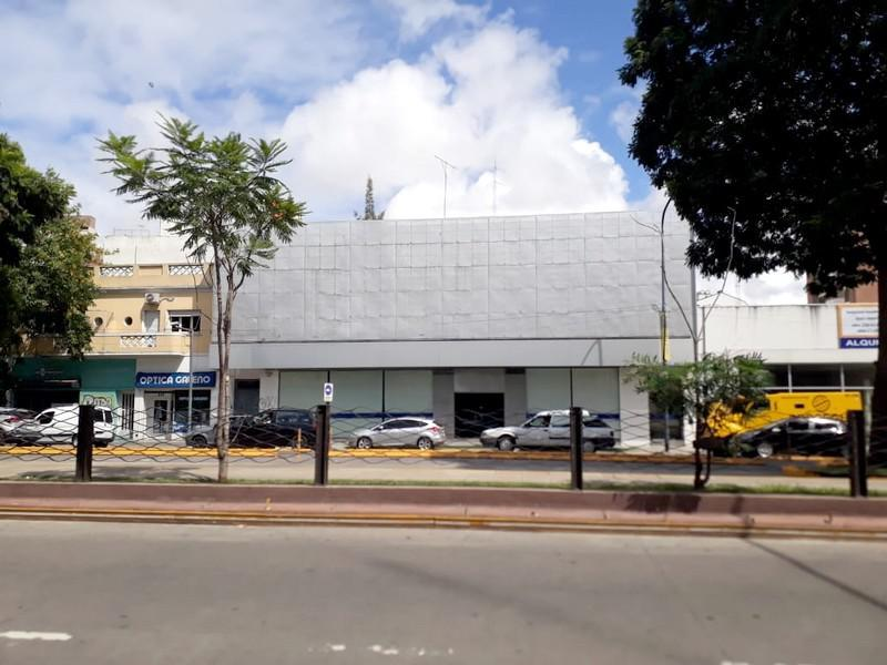Foto Edificio Comercial en Alquiler en  Vicente López ,  G.B.A. Zona Norte  Maipú al 600