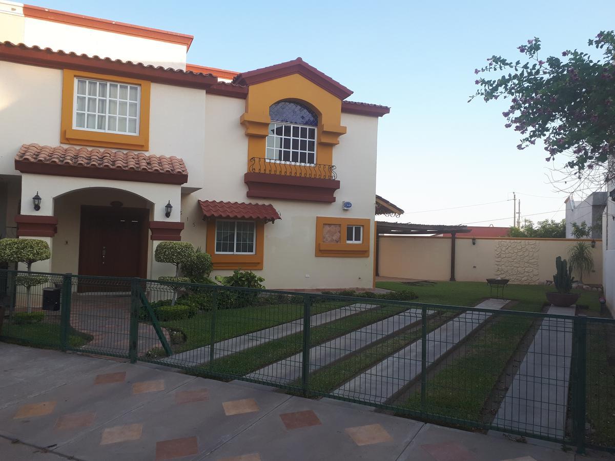 Foto Casa en Renta en  Fraccionamiento Montebello,  Culiacán  CASA EN RENTA EN PRIVADA EN BALCONES DE SAN MIGUEL CON EXCEDENTE DE TERRENO, COCHERA PARA 04 AUTOS, EQUIPADA