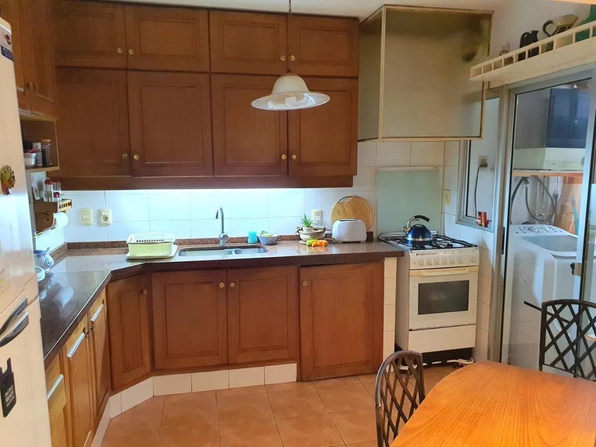 Foto Apartamento en Venta en  Centro (Montevideo),  Montevideo  Apartamento 3 dormitorios, 2 baños y garaje en Centro - Zona Colegios