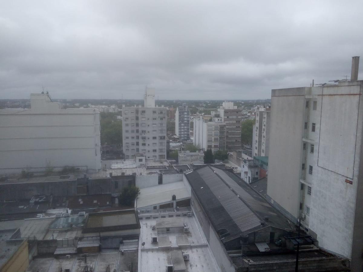 Foto Apartamento en Alquiler en  Cordón ,  Montevideo  18 y Requena! Piso 9 - 3 dorm y serv - terraza