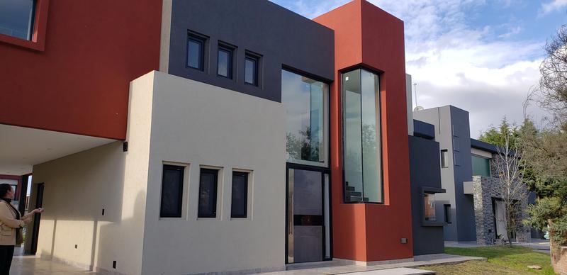 Foto Casa en Venta en  Los Naranjos,  Countries/B.Cerrado (E. Echeverría)  Los Naranjos Casa a Estrenar con financiación