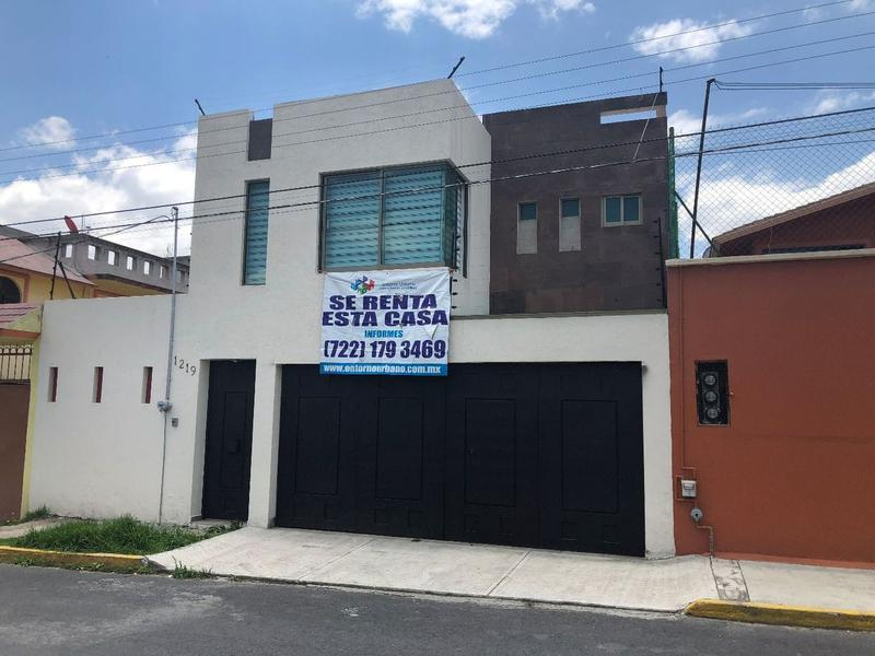 Foto Casa en Venta en  El Seminario,  Toluca  Casas en Renta en el Estado de México
