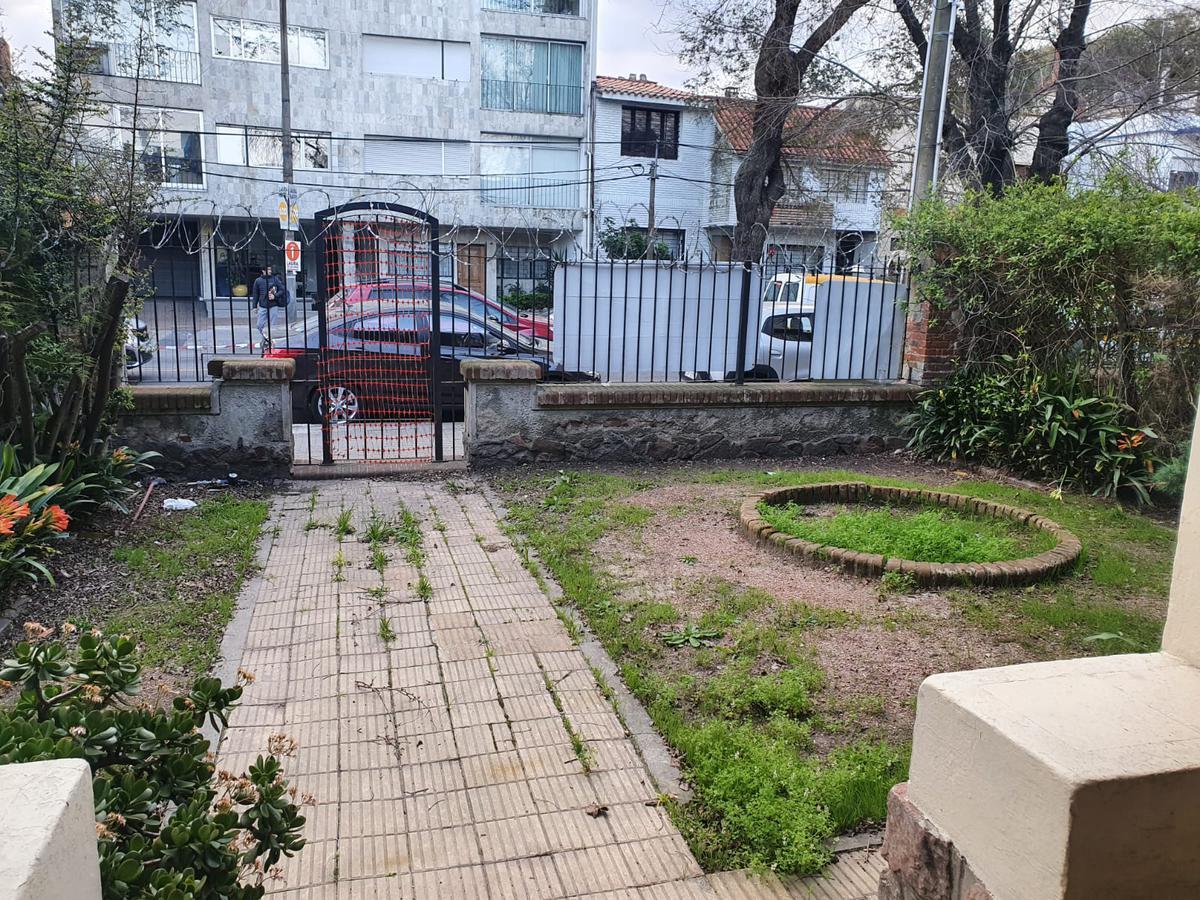 Foto Local en Alquiler en  Punta Carretas ,  Montevideo  Ellauri y Montero