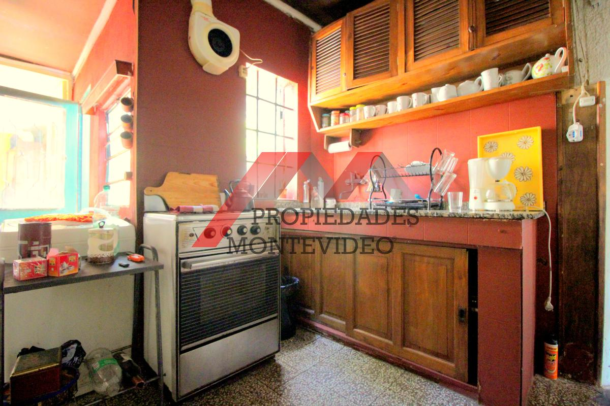 Foto Casa en Venta en  Aires Puros ,  Montevideo  Aires Puros, Celedonio Rojas al 1300