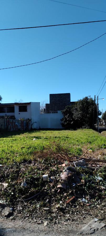 Foto Terreno en Venta en  La Plata ,  G.B.A. Zona Sur  al 4008 esquina 498 villa castellas