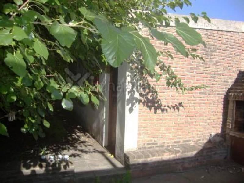 Foto Depósito en Venta en  Castelar,  Moron  Prudan  al 1100