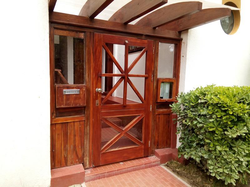 Foto Departamento en Venta en  Villa Gesell ,  Costa Atlantica  Av. 2  N° 2700