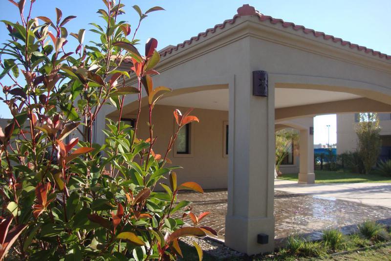 Foto Casa en Venta en  La Horqueta de Echeverría,  Countries/B.Cerrado  Venta - Casa en el barrio privado La Horqueta de Echeverría