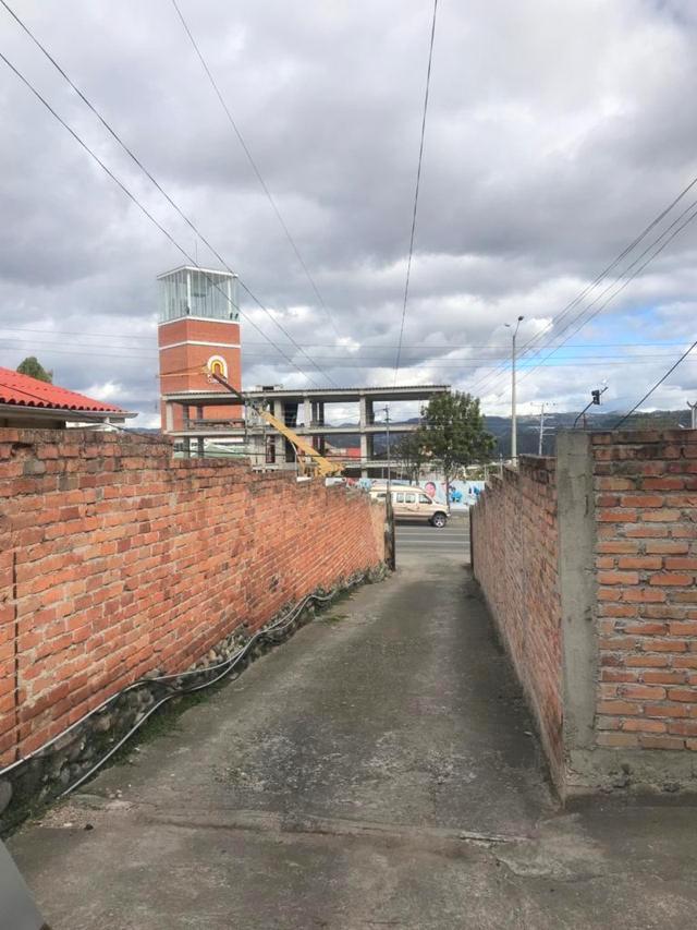 Foto Terreno en Venta en  Bellavista,  Cuenca  Terreno en venta 766m2 sector Basílica, ideal para condominio $340.000dlrs.