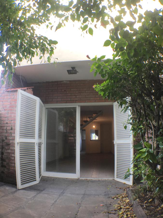 Foto Casa en Venta en  Olivos-Maipu/Uzal,  Olivos  Debenedetti al 3000