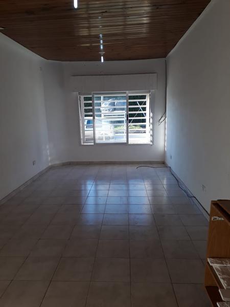 Foto Departamento en Alquiler en  Moreno,  Moreno  De la quintana  esq. Independencia - Lado Norte