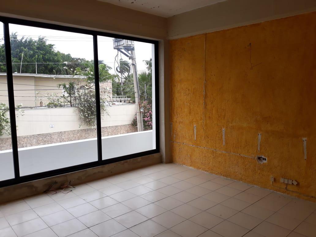 Foto Local en Renta en  Residencial Colonia México,  Mérida  Local en renta sobre Prolongación Montejo,Cerca de Chapur Norte.En esquina, Con estacionamiento!